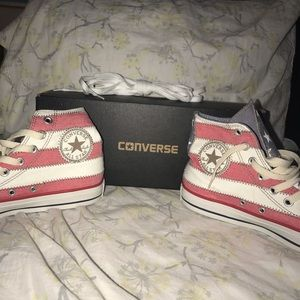 Vintage NWOT Stars and Stripes High Top Converse
